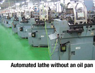 Automated lathe without an oil pan